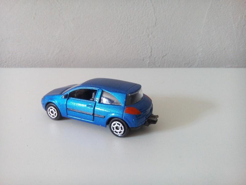 N°221C Renault Mégane II Img_2045