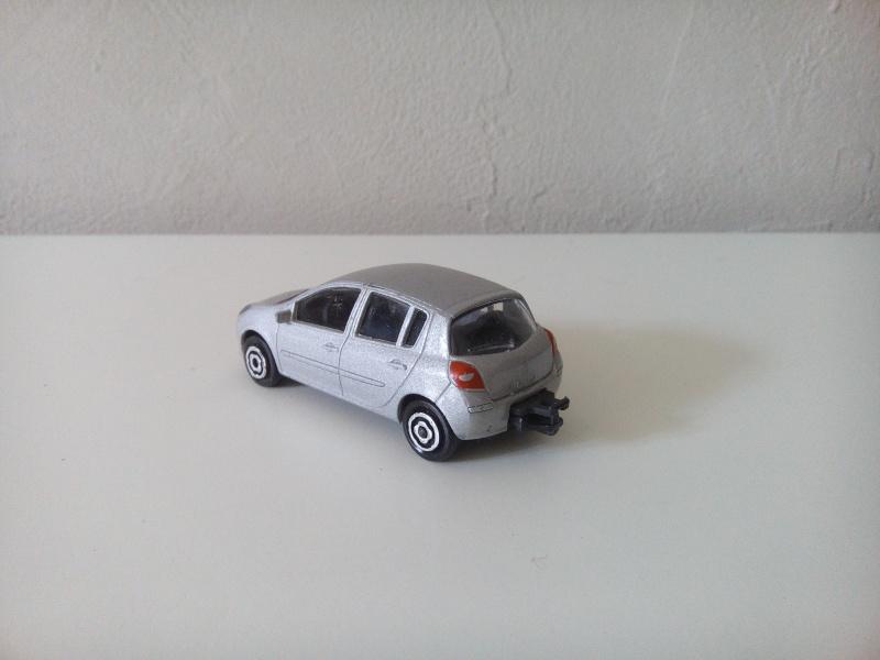 N°221E Renault Clio B85 Img_2049