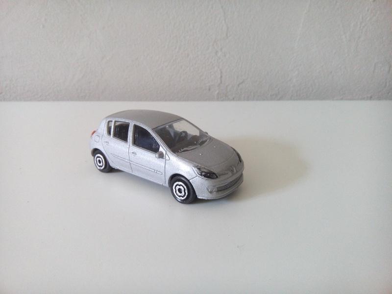 N°221E Renault Clio B85 Img_2050