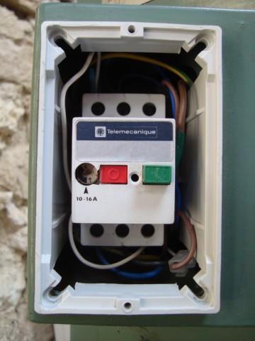 Tester un contacteur machine - Page 4 Dsc03612