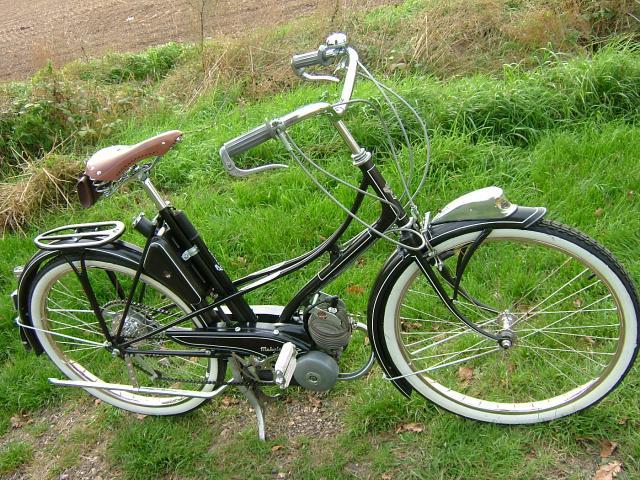 restau mobylette AV3 de 1951 19512010