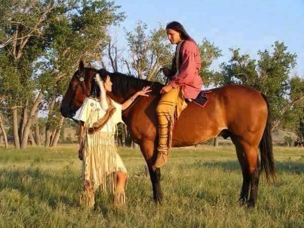 Ici tout sur les Amérindiens bijoux ,histoires ,liens ect...... - Page 6 12096410