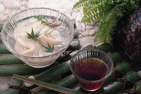 Món mỳ lạnk kụa kák pák Nhật Bản ạk :D Somen213