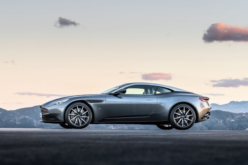 2016 - [Aston Martin] DB11 - Page 5 Aston-11