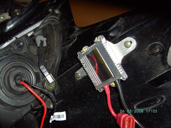 tuto montage kits xenon sur fz6-s 2004 Ballas10