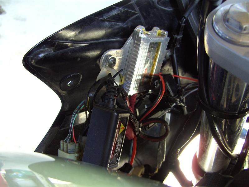 tuto montage kits xenon sur fz6-s 2004 Ballas11