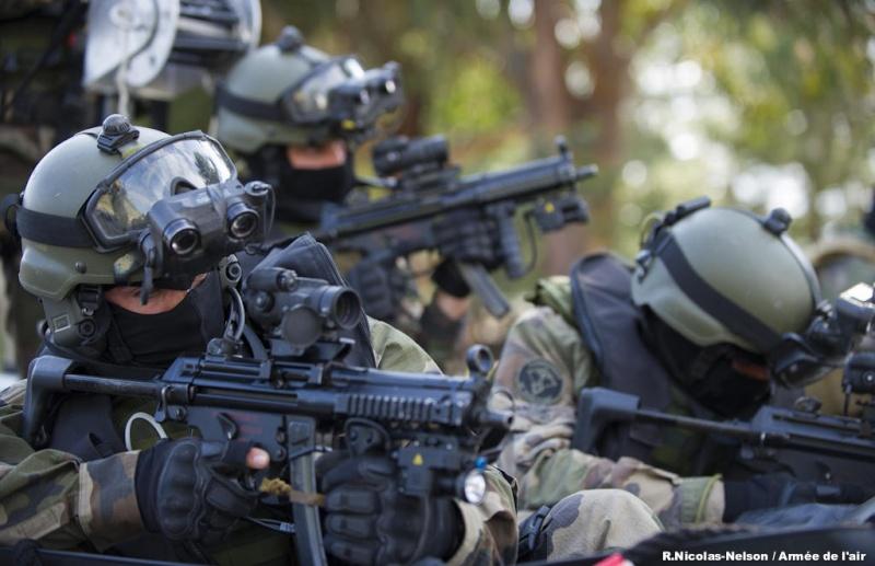 Le Commandement des opérations spéciales (COS) pourra opérer sur le territoire national  14582810