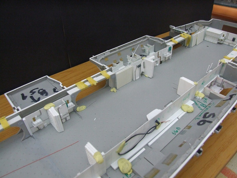 My new project..USS Nimitz CVN 68 1976  - Page 5 Dscf8244