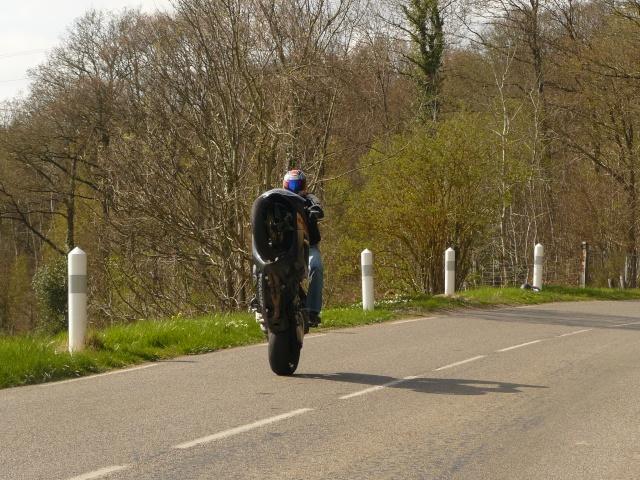photo de ma moto et moi P1040715