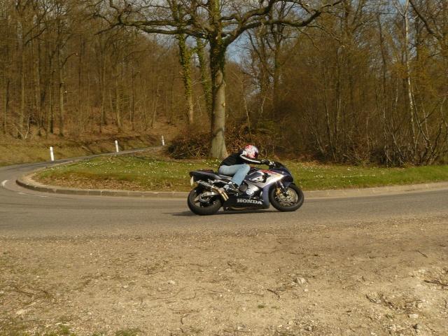 photo de ma moto et moi P1040810