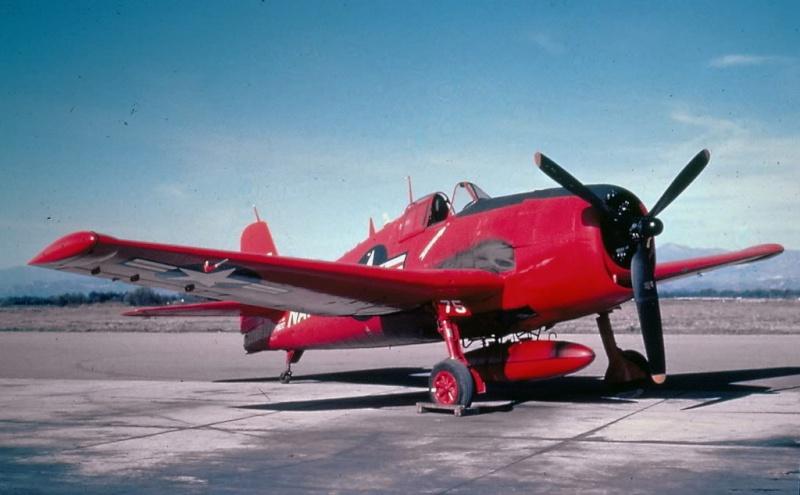 Avions insolites - Page 4 F6f-5k10