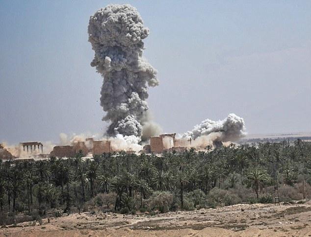 Mai 2015 chute de Palmyre Palmyr17