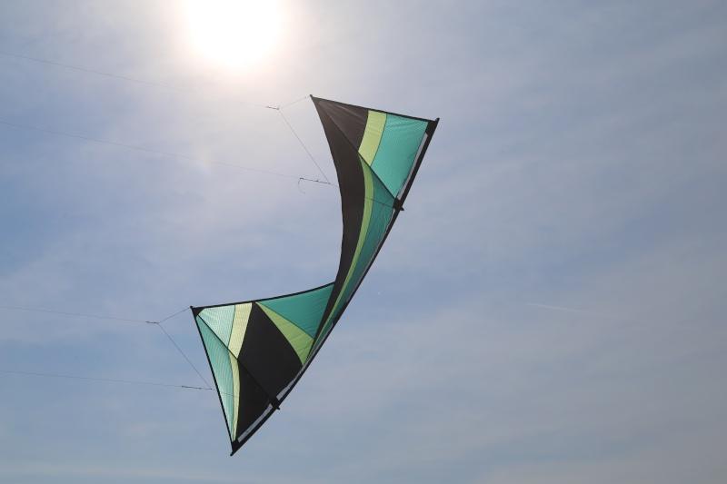 Découvrez le Colibri, nouveau cerf-volant 4 lignes Img_5711