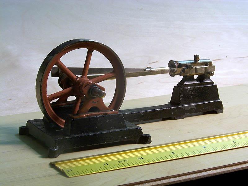 Alte Modell-Dampfmaschine Dampfm10