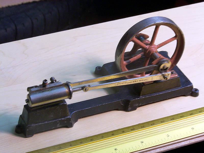 Alte Modell-Dampfmaschine Dampfm11