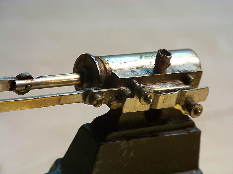 Alte Modell-Dampfmaschine Dampfm12