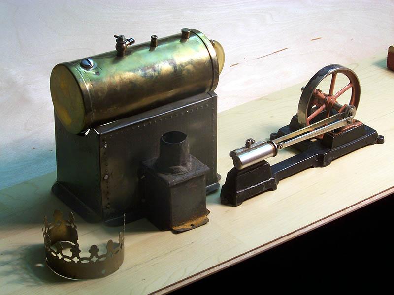 Alte Modell-Dampfmaschine Dampfm14