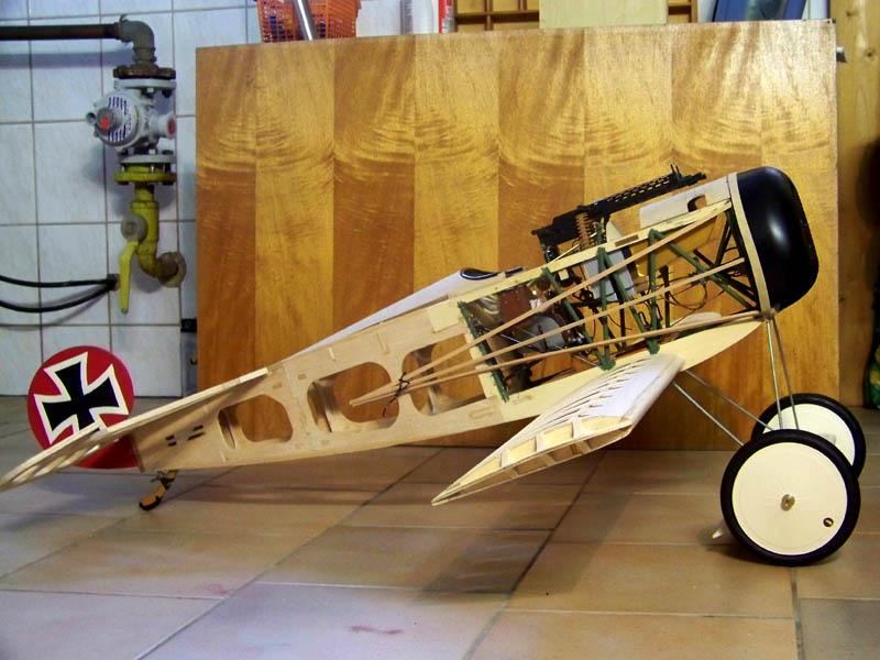 Fokker DR.I  -  DeAgostini-Umbau, M 1:6 Rumpf_10