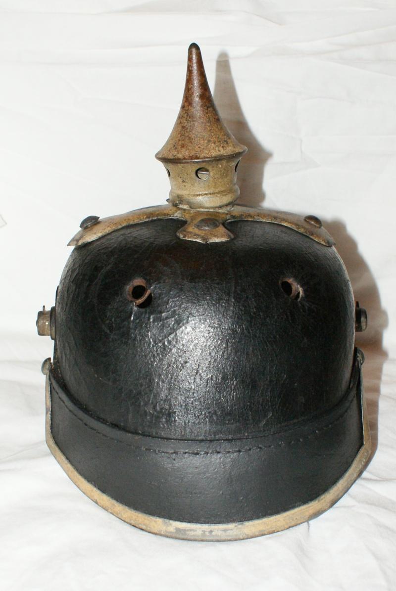 Restauration de casque à pointe modèle 1915 00311