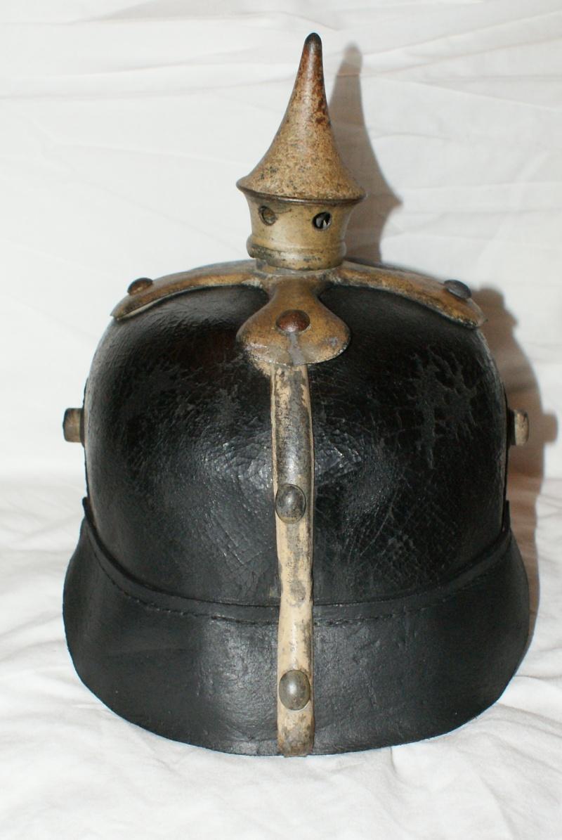 Restauration de casque à pointe modèle 1915 00411