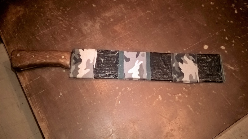 Quel outil ? Machette, serpe ou couteau ? Wp_20112