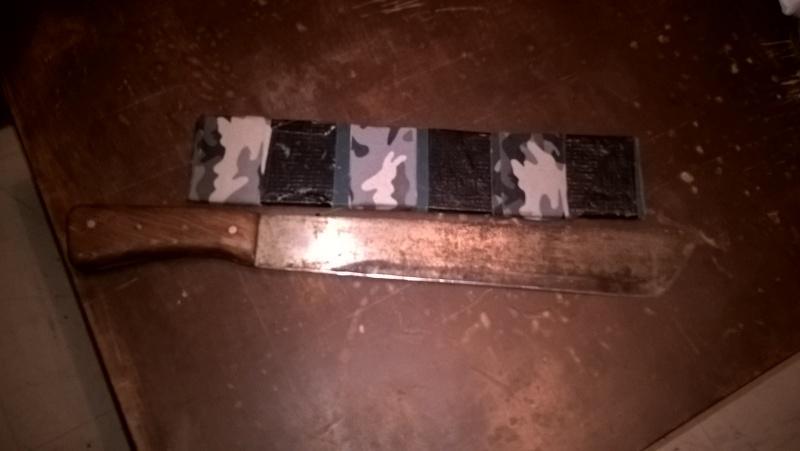 Quel outil ? Machette, serpe ou couteau ? Wp_20113