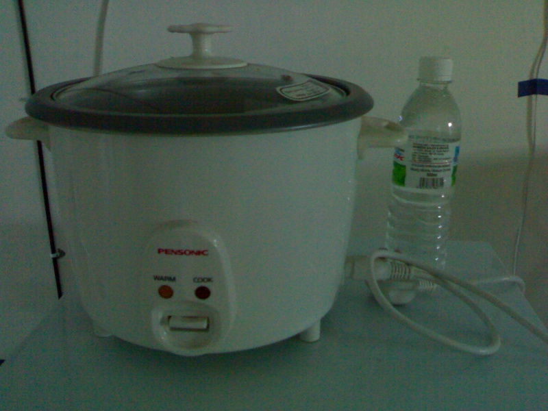 [WTS] 1st hand Rice cooker RM 50 (give u sandwichmaker for RM15 if u do) A11