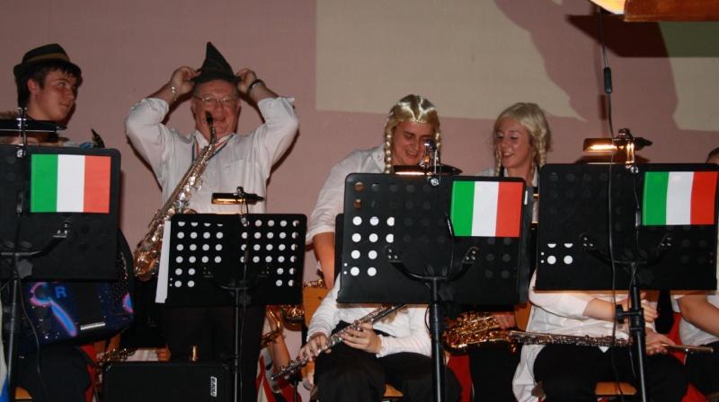 Tour du monde avec la musique Harmonie de Wangen ,21 novembre 2009 Img_6316