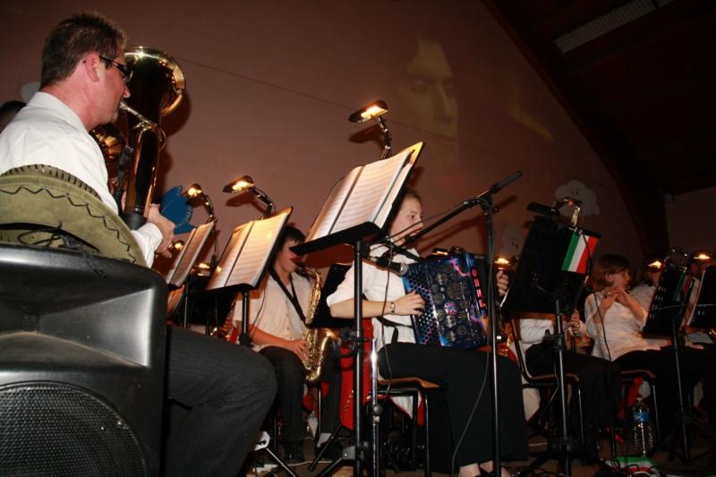 Tour du monde avec la musique Harmonie de Wangen ,21 novembre 2009 Img_6318