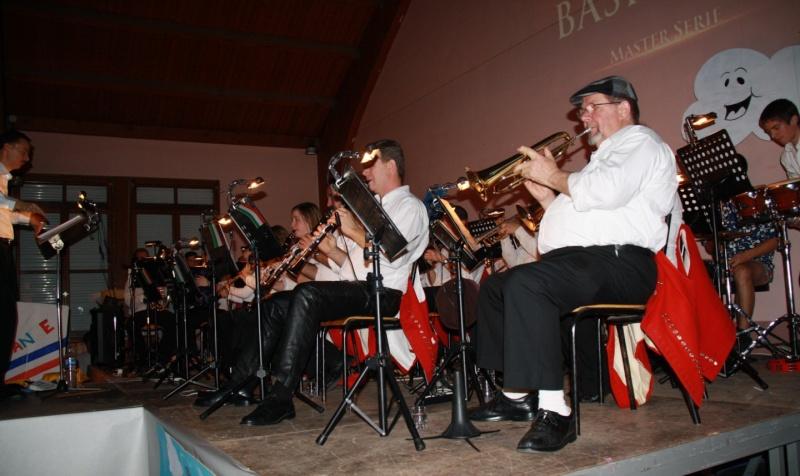 Tour du monde avec la musique Harmonie de Wangen ,21 novembre 2009 Img_6324