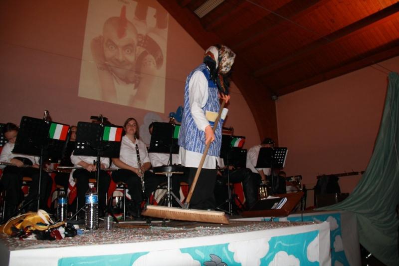 Tour du monde avec la musique Harmonie de Wangen ,21 novembre 2009 Img_6338