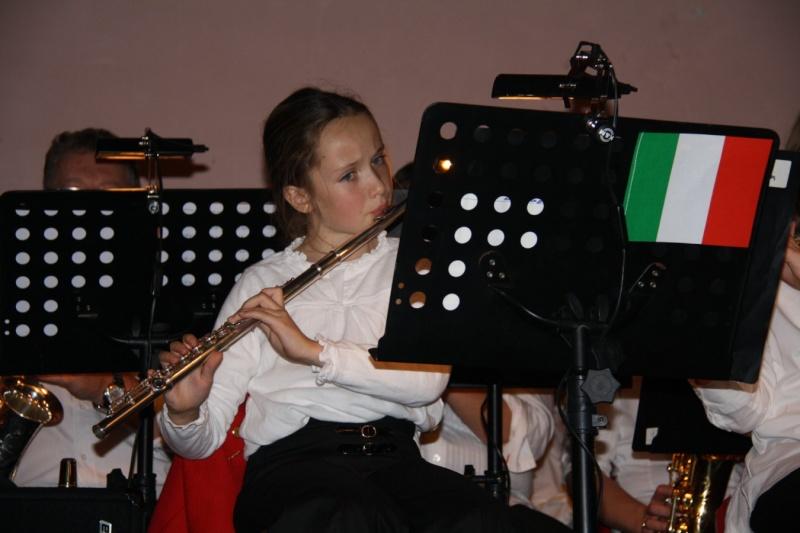 Tour du monde avec la musique Harmonie de Wangen ,21 novembre 2009 Img_6352
