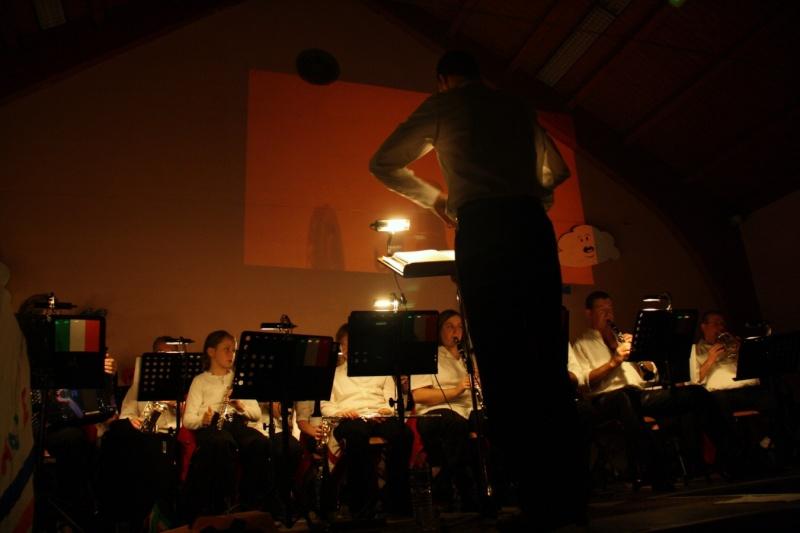 Tour du monde avec la musique Harmonie de Wangen ,21 novembre 2009 Img_6353