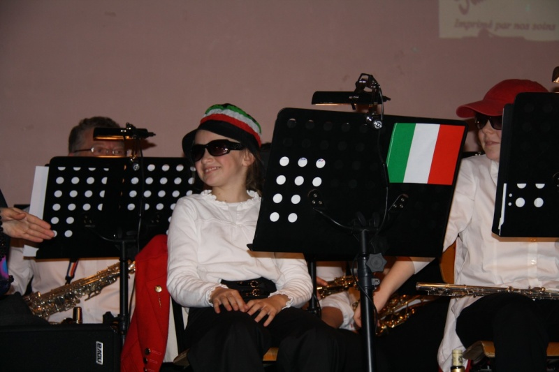 Tour du monde avec la musique Harmonie de Wangen ,21 novembre 2009 Img_6357