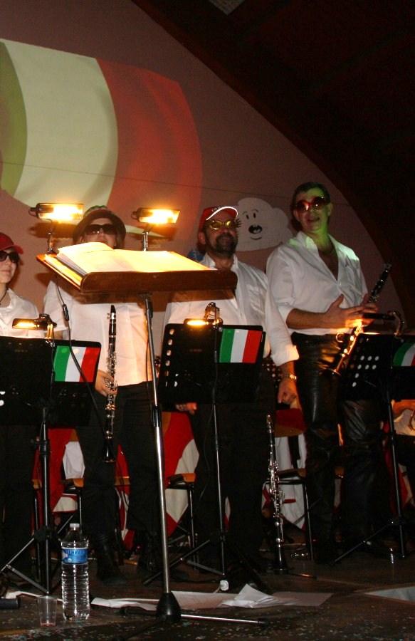 Tour du monde avec la musique Harmonie de Wangen ,21 novembre 2009 Img_6360
