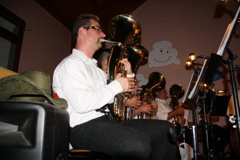Tour du monde avec la musique Harmonie de Wangen ,21 novembre 2009 Img_6363