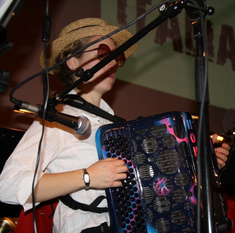 Tour du monde avec la musique Harmonie de Wangen ,21 novembre 2009 Img_6365
