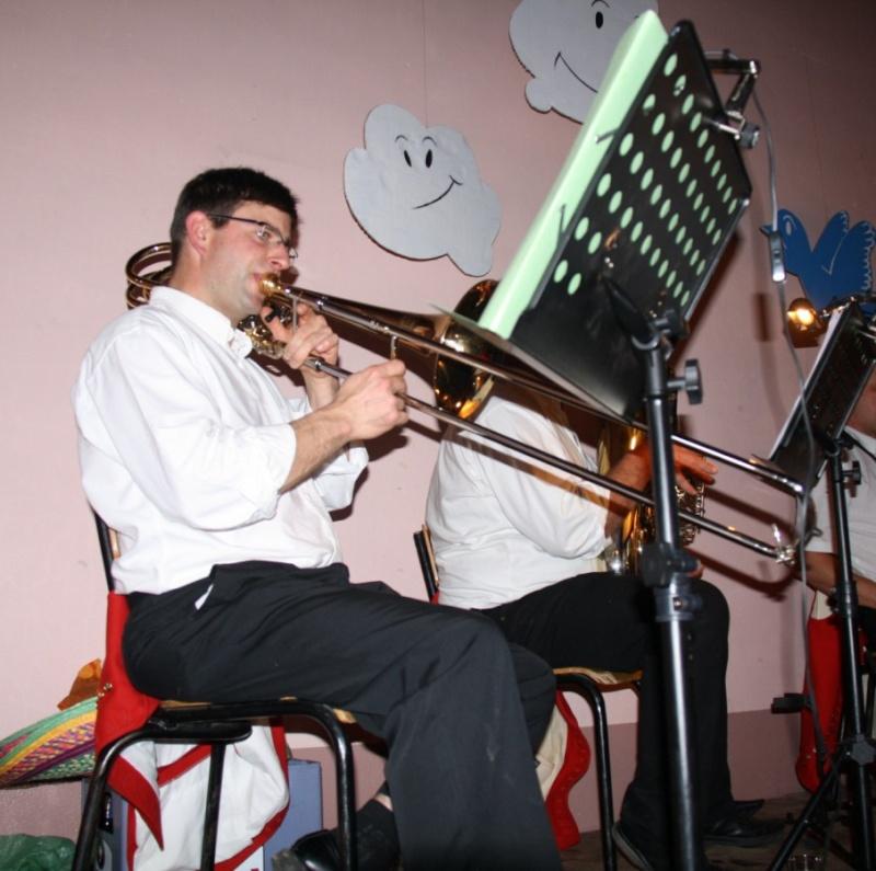 Tour du monde avec la musique Harmonie de Wangen ,21 novembre 2009 Img_6366