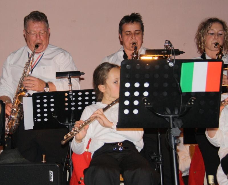 Tour du monde avec la musique Harmonie de Wangen ,21 novembre 2009 Img_6416