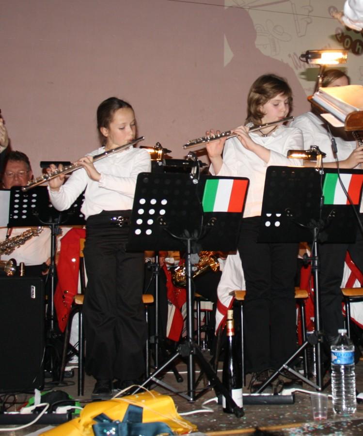 Tour du monde avec la musique Harmonie de Wangen ,21 novembre 2009 Img_6417