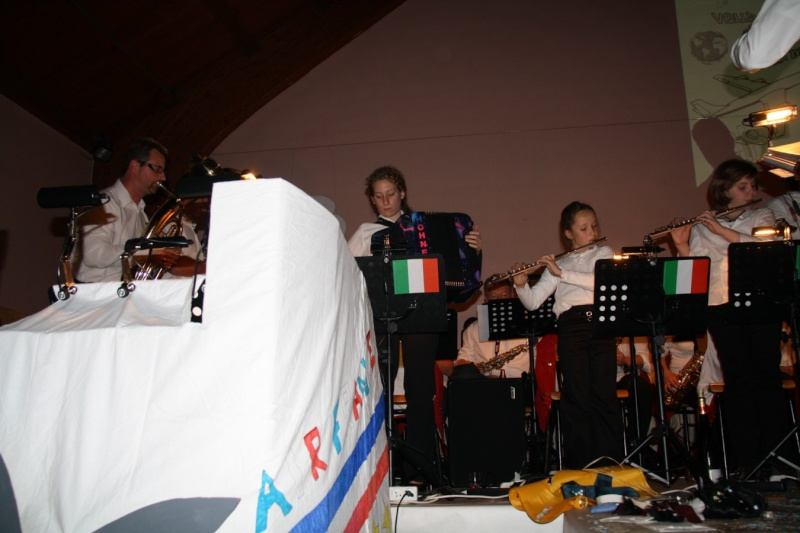 Tour du monde avec la musique Harmonie de Wangen ,21 novembre 2009 Img_6420