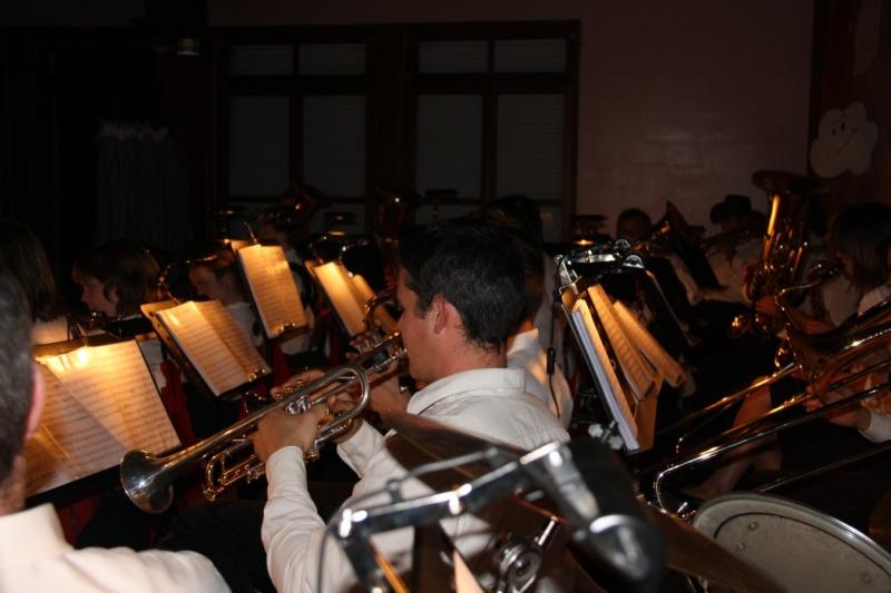 Tour du monde avec la musique Harmonie de Wangen ,21 novembre 2009 Img_6429