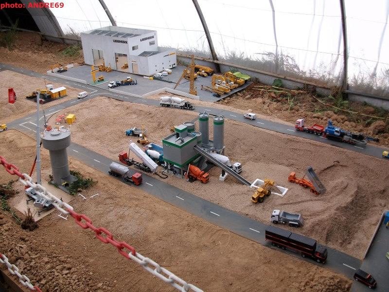 DIORAMA GEANT RETRO-MACHINE 2009 Imgp0139