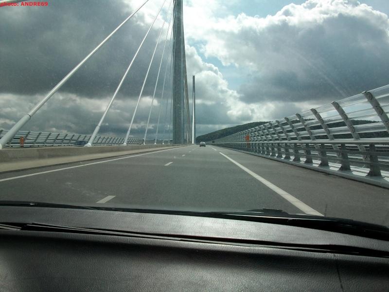 Passage du Viaduc De Millau Imgp0322