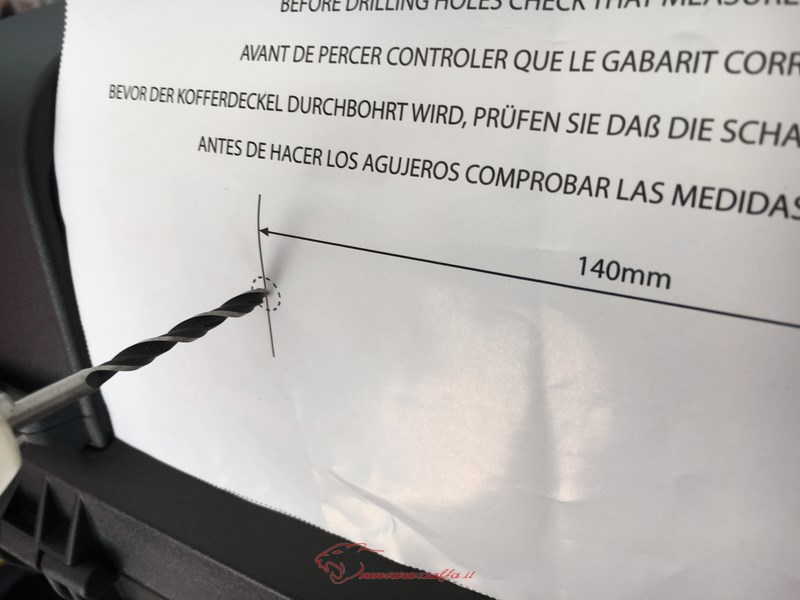 D.I.Y. Installazione schienalino morbido su bauletto GiVi Trekker.  Img_4020