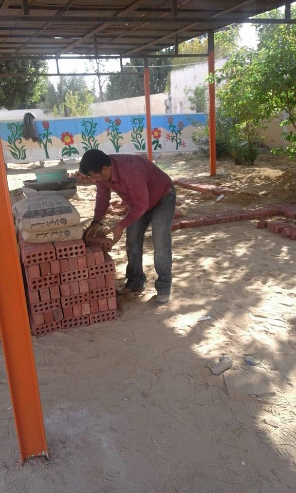 الانتهاء من مرحله بناء المقاعد للطالبات  250