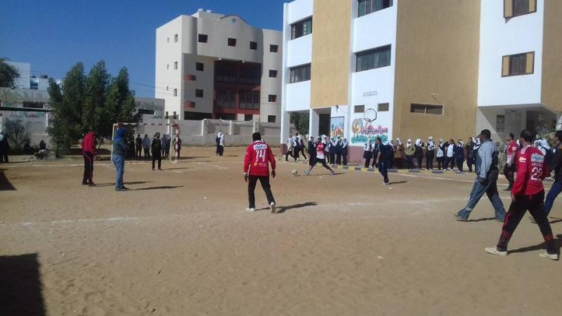 تبادل الزيارات بين المدرسة و بين مدرسة الشهداء الاعدادية 327