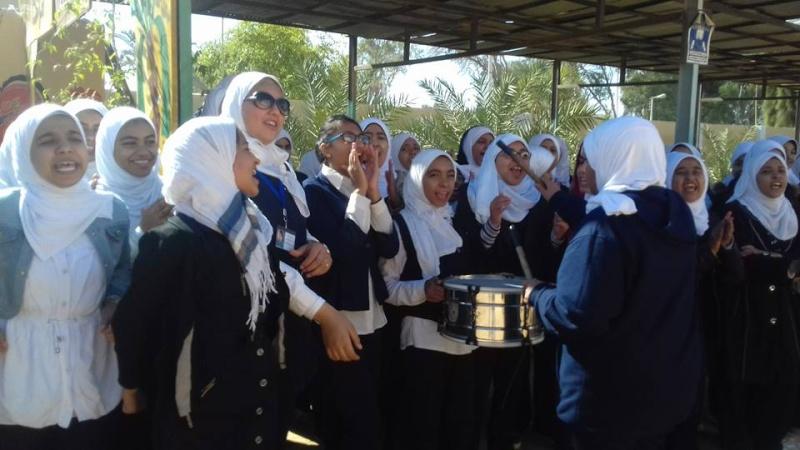 تبادل الزيارات بين المدرسة و بين مدرسة الشهداء الاعدادية 418
