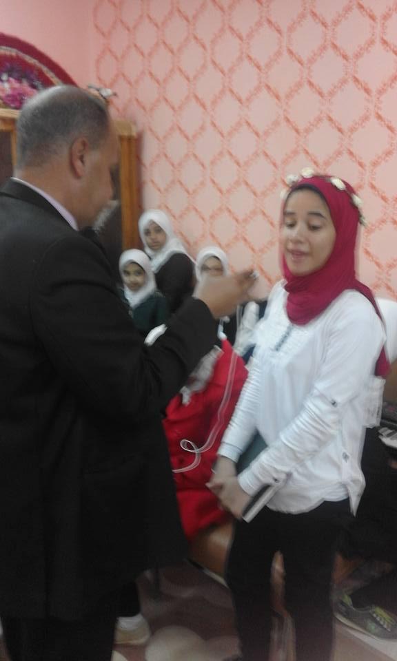 المذيع/ناصر الدمرداش يلقى الضوء على الانجازات التى تحققت فى مدرسة نجيب محفوظ  421
