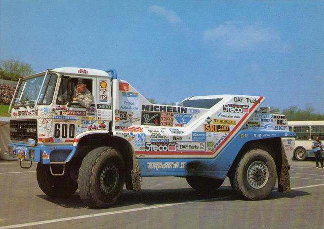 Mercedes 1844 AK Dakar - Page 2 50783110